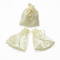 25 bourses cadeaux en satin couleur blanc crème 11x10cm - 5962