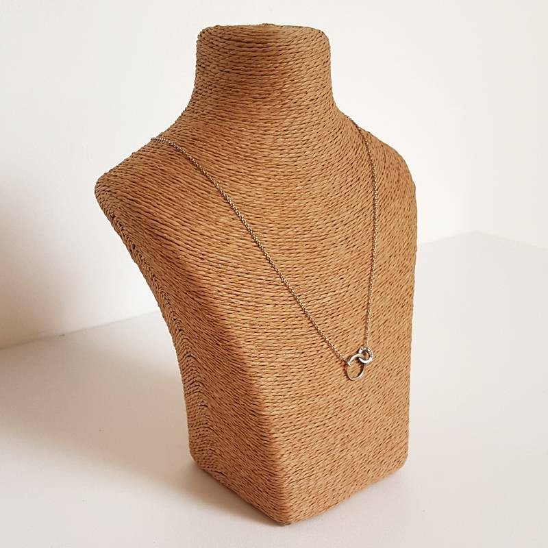 porte bijoux raphia marron clair support colliers raphia marron clair. Black Bedroom Furniture Sets. Home Design Ideas