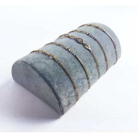 Support bracelets demi cylindre en velours gris