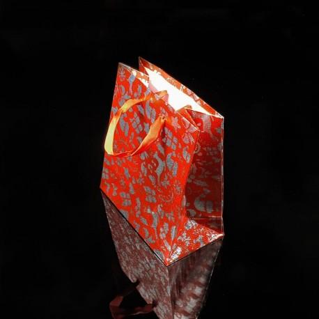 12 petits sacs cadeaux rouges motifs de Noël 14.5x11.5x6.5cm - 7517