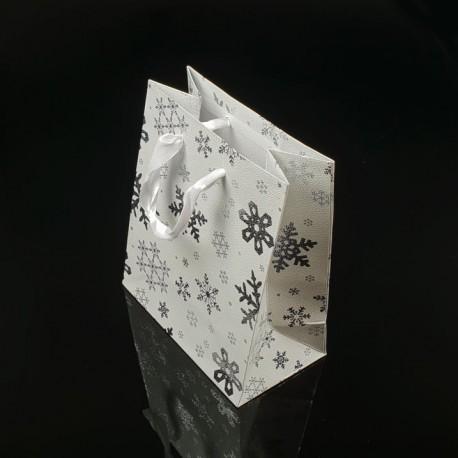 12 sacs cadeaux de couleur blanche motif flocons de neige 21x18x7.5cm - 7522