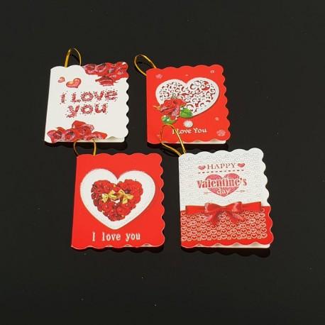 Assortiement de 40 étiquettes cadeaux rouge et blanche motifs coeurs - 7466
