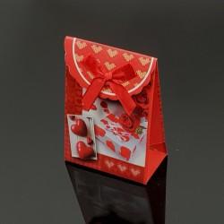 12 petites boîtes cadeaux rouges motifs cadeaux et coeurs 7.5x4x10.5cm - 7609