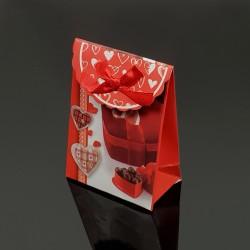 12 petites boîtes cadeaux rouges motif boîte de chocolat coeur 7.5x4x10.5cm - 7611