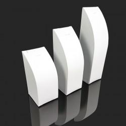 3 présentoirs rectangulaires en simili cuir blanc pour chaîne et pendentif - 7687