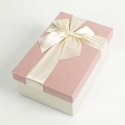 Boîte cadeaux écrue et rose clair avec noeud ruban 22x15x9cm - 7728g