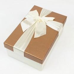 Boîte cadeaux écrue et noisette avec noeud ruban 22x15x9cm - 7740g