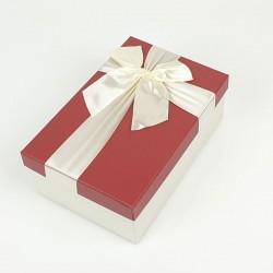 Boîte cadeaux de couleur écrue et rouge 20x13.5x8cm - 7745m