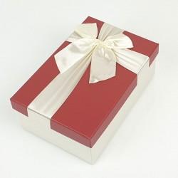 Boîte cadeaux écrue et rouge avec noeud ruban 22x15x9cm - 7746g
