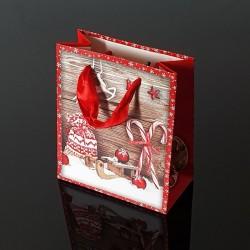 12 petits sacs de Noël rouges décor traineau et sucre d'orge - 12x6x14cm - 9117
