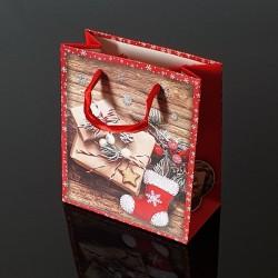 Lot de 12 sacs cadeaux de Noël rouges décor chausson et cadeaux 17.5x8.5x24cm - 9123