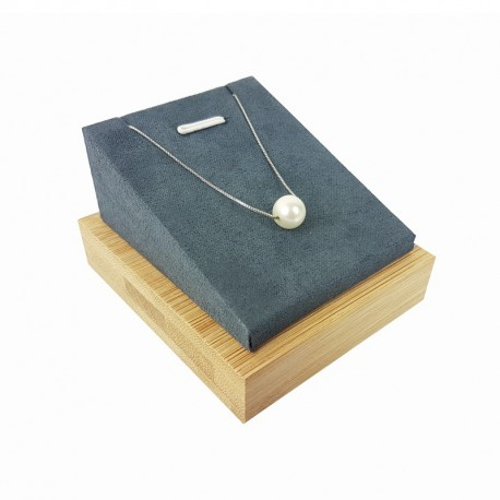 Support bijoux en bois et suédine grise pour pendentif - 9254