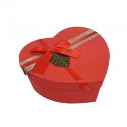 Boîte cadeaux en forme de coeur rouge avec étiquette 15x18x7.5cm - 11030m