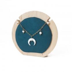Petit porte collier rond en bois et suédine vert émeraude